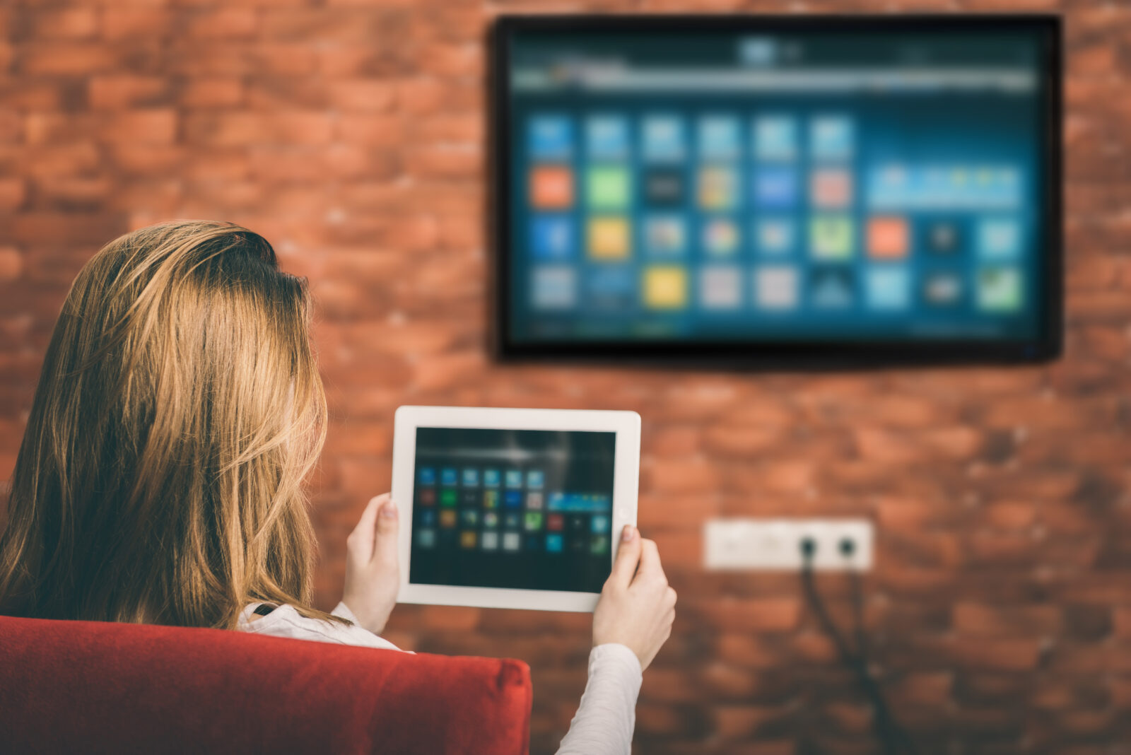 5 Reasons To Use Live Streaming In Your Campaign
